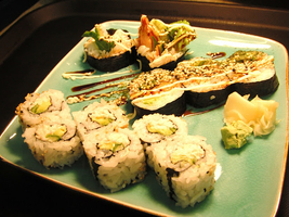 nanaimo sushi rolls lunch special