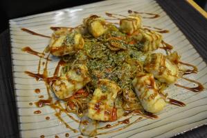 fried japanase noodles with yakisoba sauce and tofu